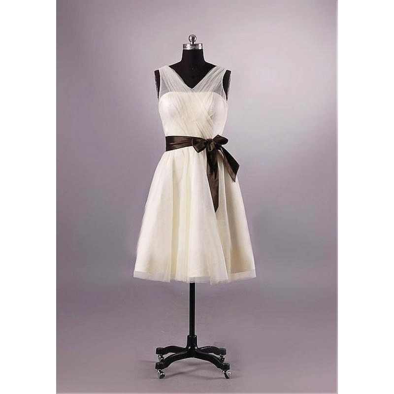 V-neck Chiffon Bridesmaid Dress Uk Short Knee-length Dress