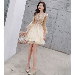 Elegant Knee Lenth Cocktail Dress V Neck Champagne Tull Prom Party Dress With Long Sleeves