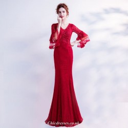 Mermaid/Trumpet Fashionable Daffodil Sleeve Red Appliques V-neck Prom Dress With Sequines