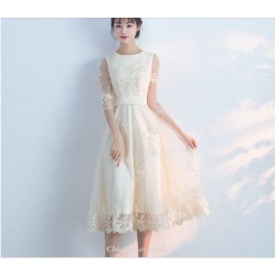 Elegant Medium Length Evening Dress 3/4 Sleeve Boat-neck Lace Skirt Edge With Sequines Bridesmaid Dress