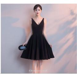 A-line Knee-length V-neck Black Chiffon Cocktail Party Dress
