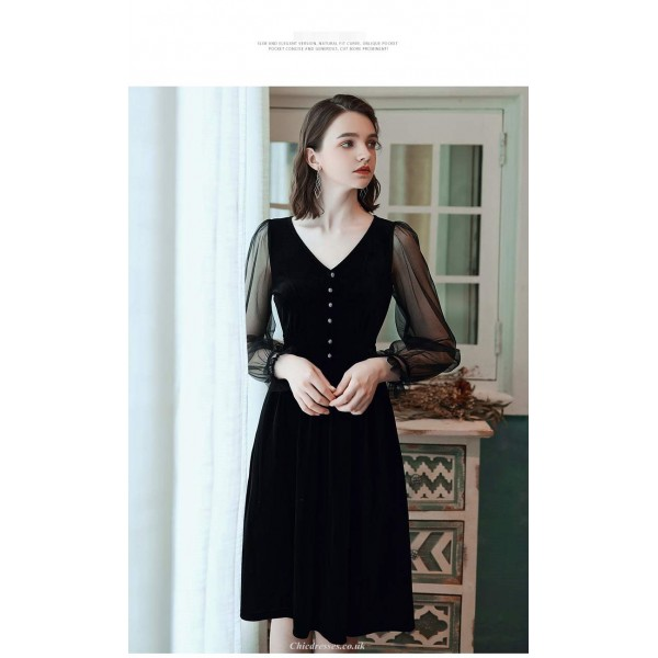 Sexy Knee-length Little Black Dress V-neck Lace Long Sleeves Velvet Lace Evening Dress New Arrival