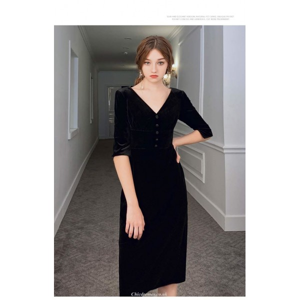 Sheath/Column Knee-length Black Velvet Party Dress V-neck Half Sleeves Cocktail Dress With Button New Arrival