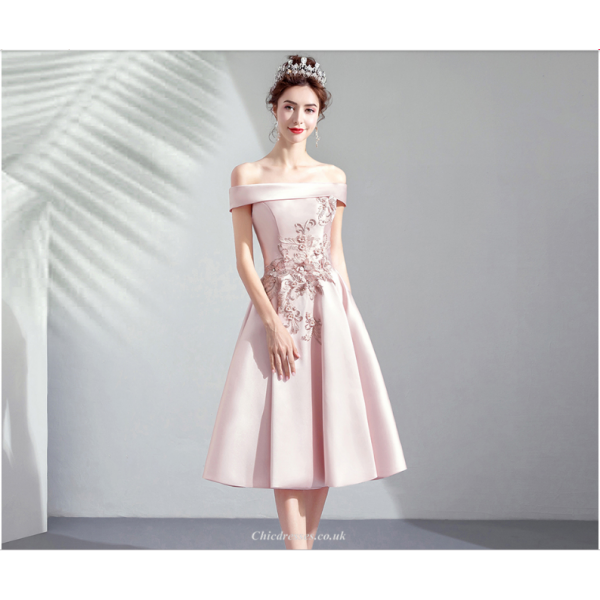 A-Line Medium-length Blushing Pink Prom Dress Off The Shoulder Exquisite Embroidery Bridesmaid Dress New Arrival