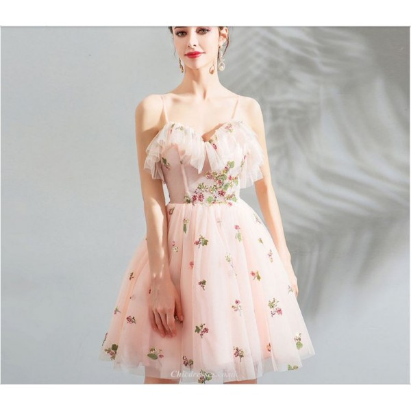 Contemporary Knee-length Pink Tulle Party Dress Spaghetti Straps Lotus Leaf Collar Exquisite Embroidery Lace-up Bridesmaid Dress With Sequines New Arrival