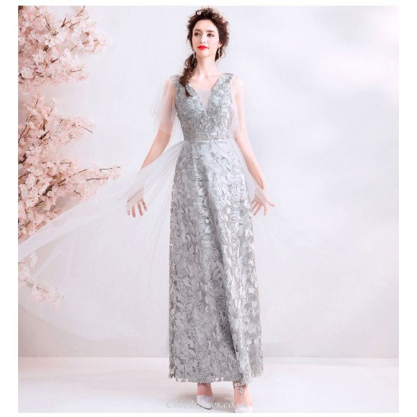 Elegant Floor-length Silver Gray Bridesmaid Dress Deep V-neck Exquisite Embroidery Lace-up Prom Dress New Arrival