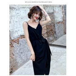 Sexy Medium-length Black Chiffon Prom Dress With Pockets V-neck Backless Spaghetti Straps Party Dress