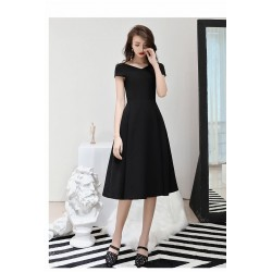 Simple Knee Length Black Chiffon Semi Formal Dress V Neck Invisible Zipper Cocktail Party Dress