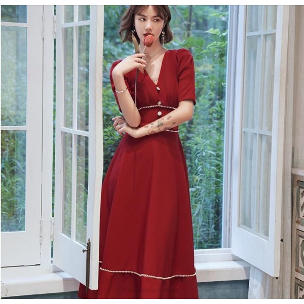 Fashion Medium-length Red Prom Dress V-neck Zipper Back Short Sleeves Homecoming Dress With Beading New Arrival