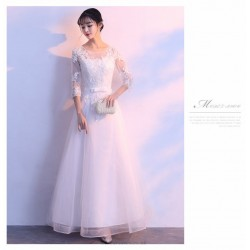 Elegant Floor Length White Tulle Evening Dress Crew Neck Invisible Zipper Back Prom Dress With Sleeves Appliques