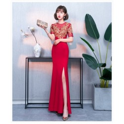 Fashion Floor-length Sheath/Column Red Evening Dress Boat-neck Hollow Zipper Back Short Sleeves Exquisite Embroidery Prom Dress With Slits