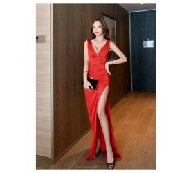 Sexy Floor-length Buttock Wrapping Red Satin Evening Dress V-neck Zipper Back Prom Dress With Slits