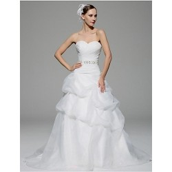 A Line Wedding Dress White Chapel Train Sweetheart Organza