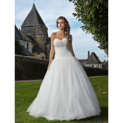 Fit & Flare Plus Sizes Wedding Dress Ivory Floor Length Sweetheart Tulle