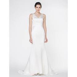- Trumpet/Mermaid Wedding Dress - Ivory Court Train V-neck Satin