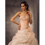 A-line/Princess Plus Sizes Wedding Dress - Pearl Pink (color may vary by monitor) Court Train Sweetheart Organza Wedding Dresses