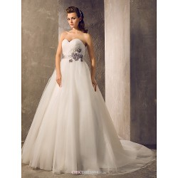 A-line/Princess Plus Sizes Wedding Dress - Ivory Floor-length Sweetheart Tulle