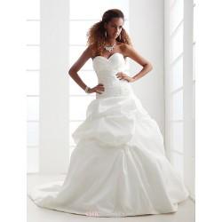 A-line/Princess Plus Sizes Wedding Dress - Ivory Chapel Train Sweetheart Satin/Taffeta