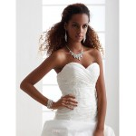 A-line/Princess Plus Sizes Wedding Dress - Ivory Chapel Train Sweetheart Satin/Taffeta Wedding Dresses