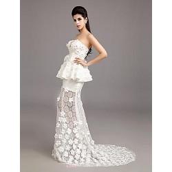 Trumpet Mermaid Strapless Court Train Lace Wedding Dress