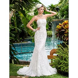 Trumpet/Mermaid Wedding Dress - Ivory Court Train Strapless Lace