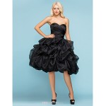 Ball Gown Plus Sizes Wedding Dress - Black (color may vary by monitor) Knee-length Sweetheart Organza Wedding Dresses