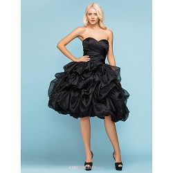 Ball Gown Plus Sizes Wedding Dress - Black (color may vary by monitor) Knee-length Sweetheart Organza