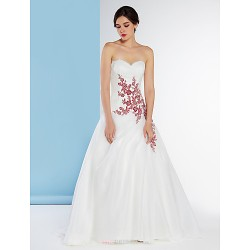 A-line Wedding Dress - Ivory Sweep/Brush Train Sweetheart Chiffon / Lace