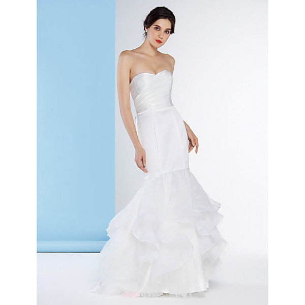 Fit & Flare Wedding Dress - Ivory Sweep/Brush Train Strapless Organza / Satin Wedding Dresses