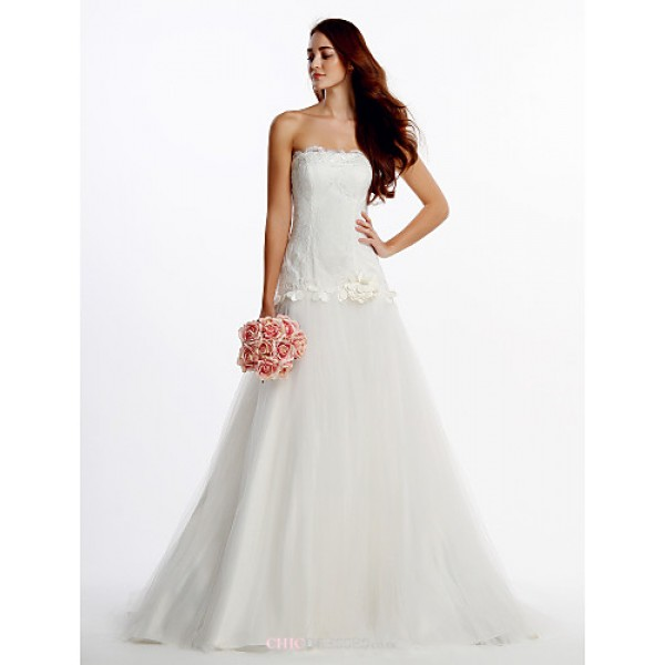 Fit & Flare Wedding Dress - Ivory Sweep/Brush Train Strapless Lace / Tulle Wedding Dresses