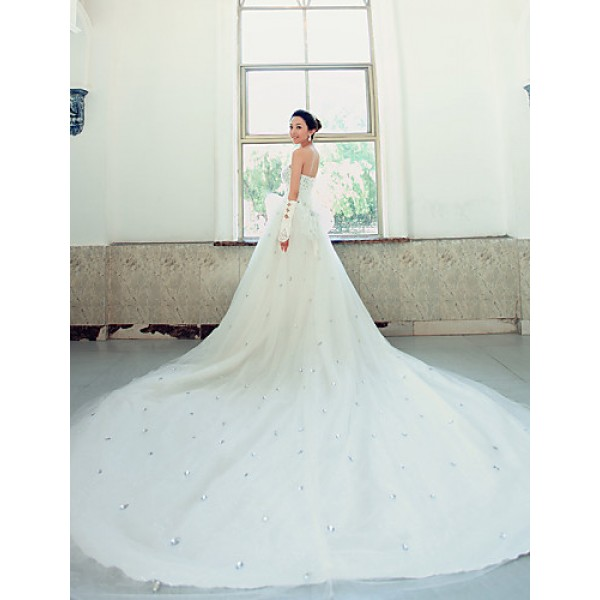 Ball Gown Wedding Dress - White Chapel Train Strapless Lace Wedding Dresses