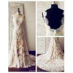 Trumpet/Mermaid Wedding Dress - Champagne Court Train V-neck Lace / Satin Wedding Dresses