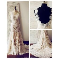 Trumpet/Mermaid Wedding Dress - Champagne Court Train V-neck Lace / Satin