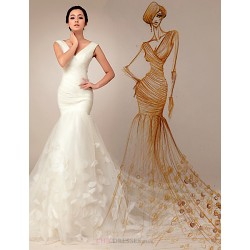 Trumpet Mermaid Wedding Dress Ivory Court Train V Neck Organza