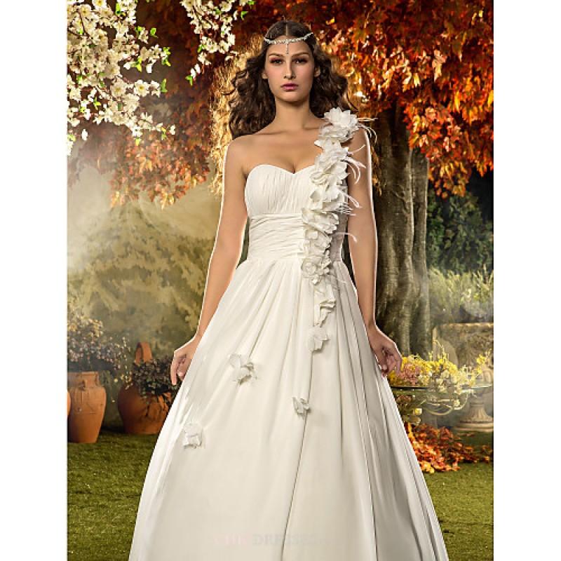 A line princess plus sizes wedding dress ivory floor for Ivory plus size wedding dresses
