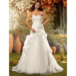 A-line/Princess Plus Sizes Wedding Dress - Ivory Court Train Sweetheart Organza