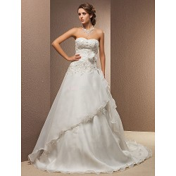 A Line Princess Plus Sizes Wedding Dress Ivory Court Train Sweetheart Lace Organza