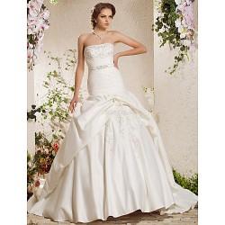 Ball Gown Plus Sizes Wedding Dress - Ivory Chapel Train Strapless Satin