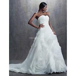 A Line,Ball Gown Chapel Train Wedding Dress Sweetheart Organza