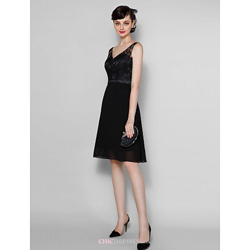 Knee-length Chiffon / Lace Bridesmaid Dress