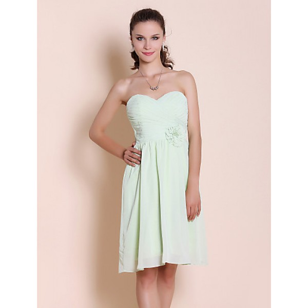 Knee-length Chiffon Bridesmaid Dress - Sage Plus Sizes / Petite Sheath/Column Strapless / Sweetheart Bridesmaid Dresses