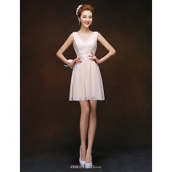 Short/Mini Bridesmaid Dress - Champagne Sheath/Column V-neck