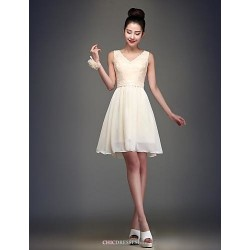 Knee-length Chiffon Bridesmaid Dress - Champagne Ball Gown V-neck