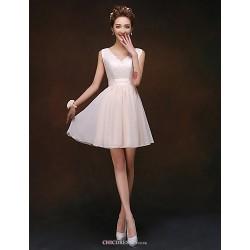 Knee-length Bridesmaid Dress - Champagne A-line / Princess V-neck