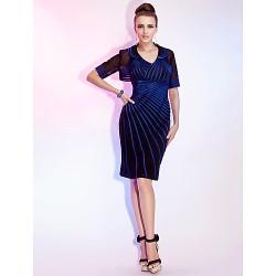 Cocktail Party / Wedding Party Dress - Royal Blue Plus Sizes / Petite Sheath/Column V-neck Knee-length Stretch Satin / Tulle