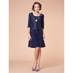 A-line Plus Sizes / Petite Mother of the Bride Dress - Dark Navy Knee-length Half Sleeve Taffeta