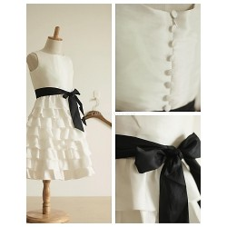 A Line Knee Length Flower Girl Dress Taffeta Cupcake Sleevless