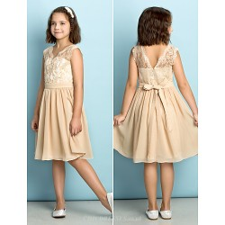 Knee Length Lace Junior Bridesmaid Dress Champagne A Line V Neck