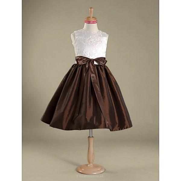 Knee-length Lace / Taffeta Junior Bridesmaid Dress A-line / Princess Jewel Junior Bridesmaid Dresses