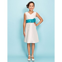 Knee-length Taffeta Junior Bridesmaid Dress - Ivory Sheath/Column / A-line V-neck